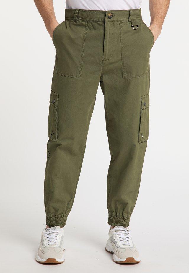 Pantaloni cargo - militär grün