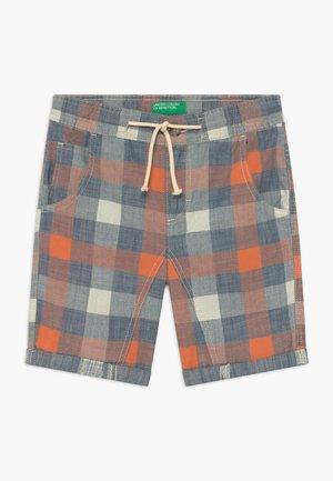 BERMUDA - Shorts - blue/orange