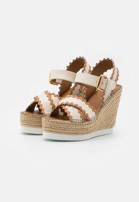 See by Chloé - GLYN - Korkeakorkoiset sandaalit - natural - 2