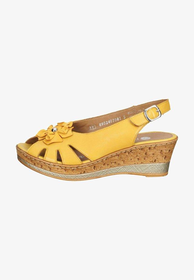 Sandaler m/ kilehæl - gelb