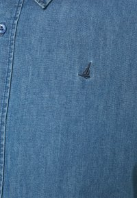Newport Bay Sailing Club - SHIRT - Overhemd - light wash - 5