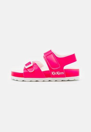SUNKRO - Sandals - rose/blanc