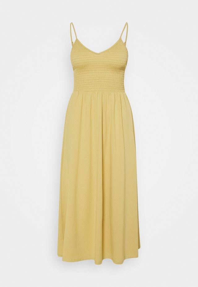 PCTILY SMOCK MIDI DRESS - Sukienka z dżerseju - hemp