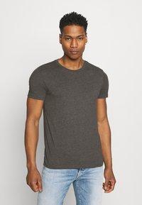 Burton Menswear London - 7 PACK - T-shirt - bas - black - 1