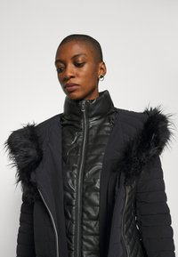 Guess - NEW OXANA JACKET - Abrigo de invierno - jet black - 6
