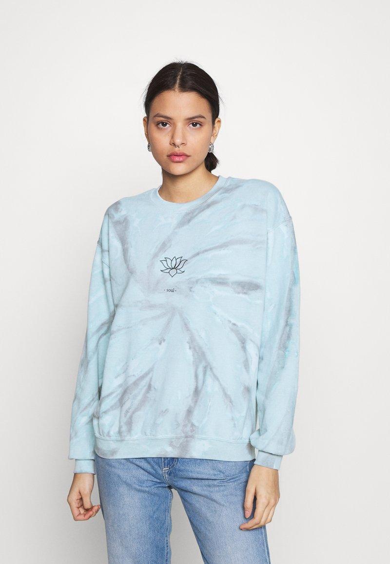 BDG Urban Outfitters - LOTUS SOUL CREW NECK - Sweatshirt - blue