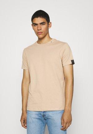 SHORT SLEEVE - Basic T-shirt - hazelnut