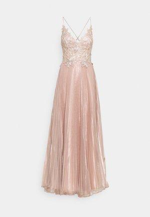 Společenské šaty - rosegold