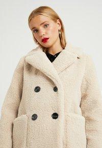 New Look Petite - LEAD IN BORG COAT - Cappotto invernale - cream - 3