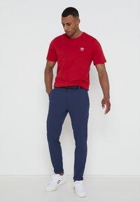 adidas Golf - PIN ROLL PANT - Kalhoty - crew navy - 3