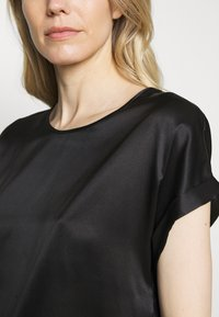 Marc O'Polo PURE - BLOUSE SHORT SLEEVE - Blouse - pure black - 5