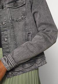 ONLY - ONLTIA JACKET - Džínová bunda - grey denim - 5