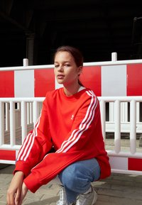 adidas Originals - Sweatshirt - red - 2