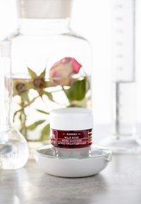 Korres - WILD ROSE DAY CREAM FOR DRY SKIN - Face cream - - - 2