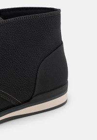 ALDO - LODDON - Zapatos con cordones - black - 5