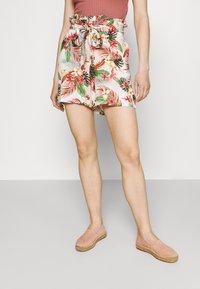 Vero Moda - Shorts - birch/selma - 0