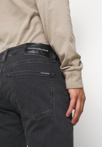 Calvin Klein Jeans - CKJ 016 SKINNY - Slim fit -farkut - grey - 3