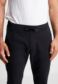 Abercrombie & Fitch - MENSWEAR JOGGER  - Pantalones - navy - 5