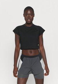 adidas Performance - RECCO CROP TEE - Triko spotiskem - black - 0