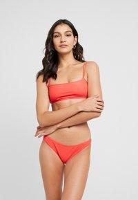 Cotton On Body - TUBE BIKINI SET - Bikini - sipcy red - 0