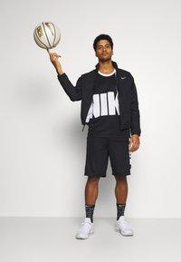 Nike Performance - STARTING FIVE - Funkční triko - black/white - 1
