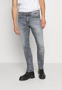 Tommy Jeans - SCANTON SLIM - Slim fit jeans - king iron grey - 0