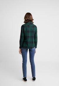 Wrangler - REGULAR WESTERN - Skjorte - pine - 2