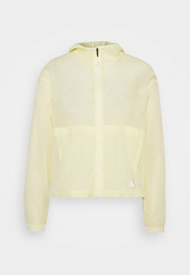 IMPACT RUN LIGHT PACK JACKET - Juoksutakki - clear yellow