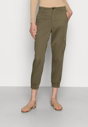 WELLA BAGGY PANTS - Cargo trousers - burnt olive