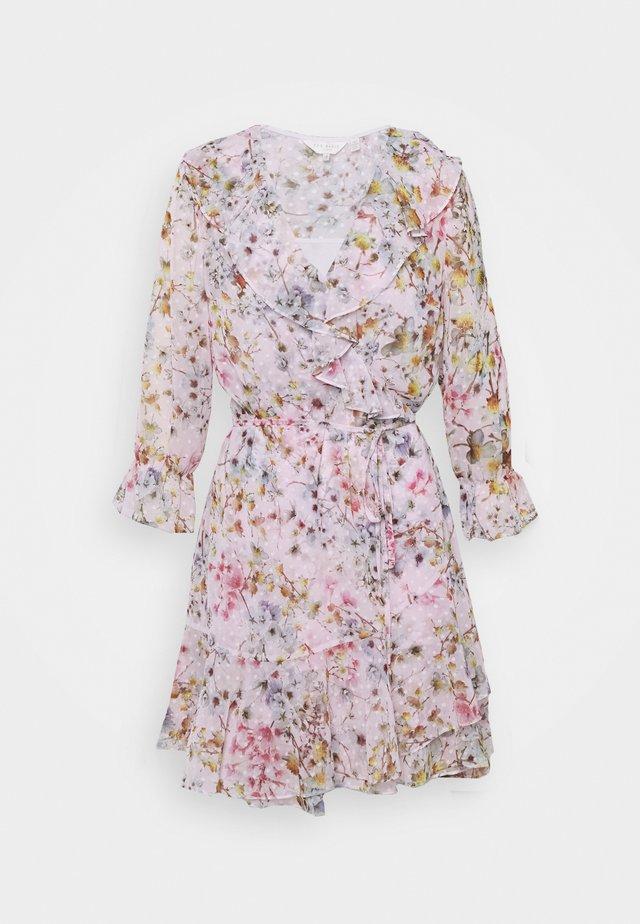 GRACYE - Korte jurk - dusky pink