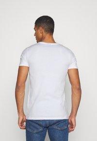 Ellesse - LANBRONE - Print T-shirt - white - 2