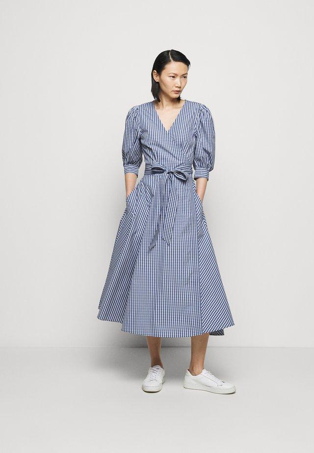 HEAVY WEIGHT - Korte jurk - blue/white