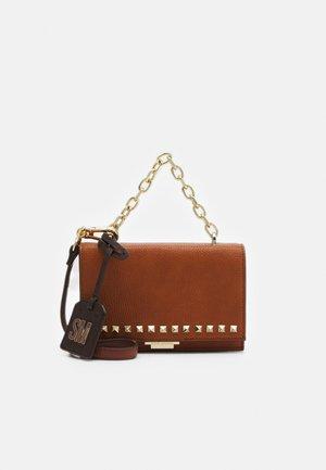 BFLAIR - Across body bag - cognac