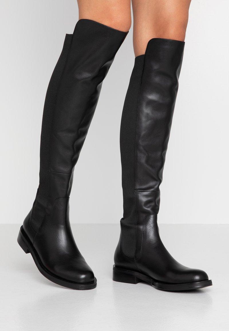 Bibi Lou - Stivali sopra il ginocchio - black