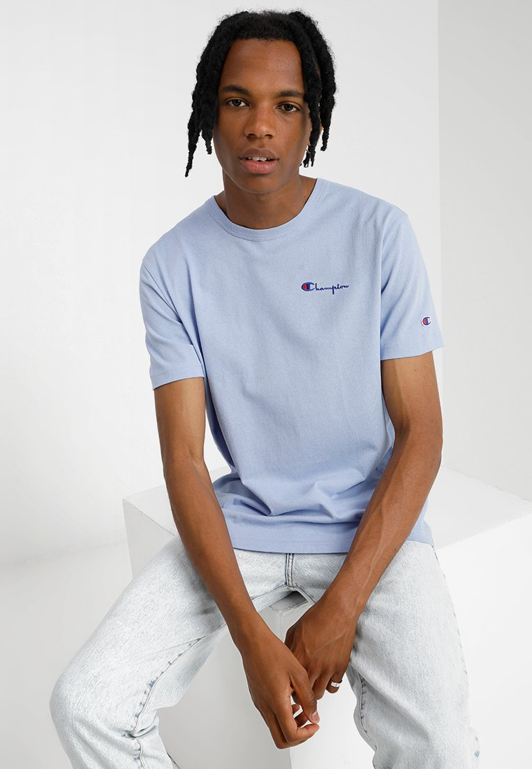 Champion Reverse Weave - CLASSIC APPLIQUE TEE - Jednoduché triko - light blue