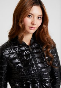 Guess - VERA JACKET - Light jacket - jet black