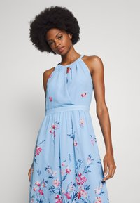 Esprit Collection - FLUENT GEORGE - Maxi šaty - pastel blue - 4