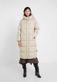 WEEKEND MaxMara - BATTAGE - Down coat - beige - 0