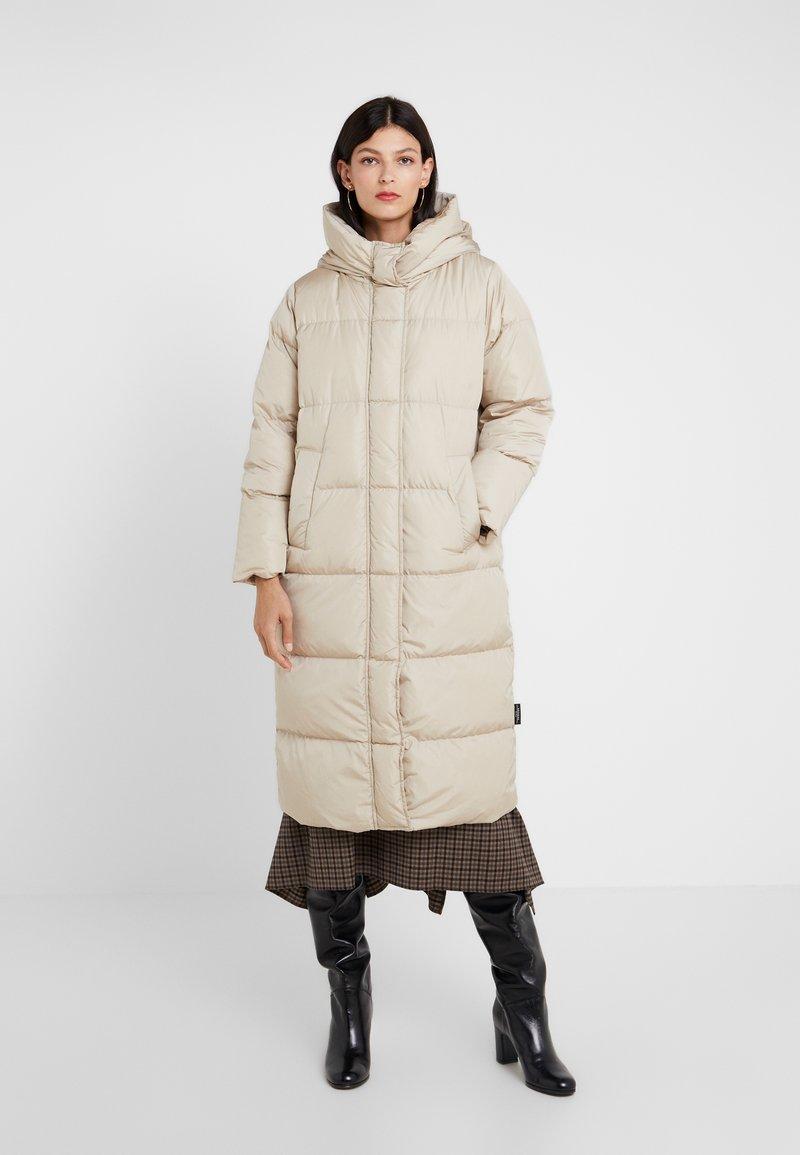 WEEKEND MaxMara - BATTAGE - Down coat - beige