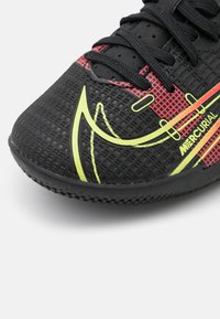 Nike Performance - MERCURIAL JR VAPOR 14 ACADEMY IC UNISEX - Halové fotbalové kopačky - black/cyber/off noir - 5
