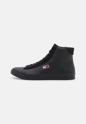 RETRO - Sneakersy wysokie - black