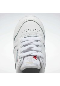 Reebok Classic - CLASSIC LEATHER SHOES - Trainers - white - 5