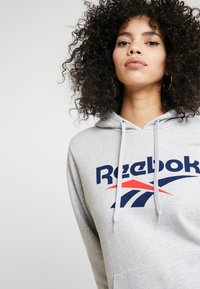 Reebok Classic - BIG LOGO HOODIE - Bluza z kapturem - light grey heather - 4