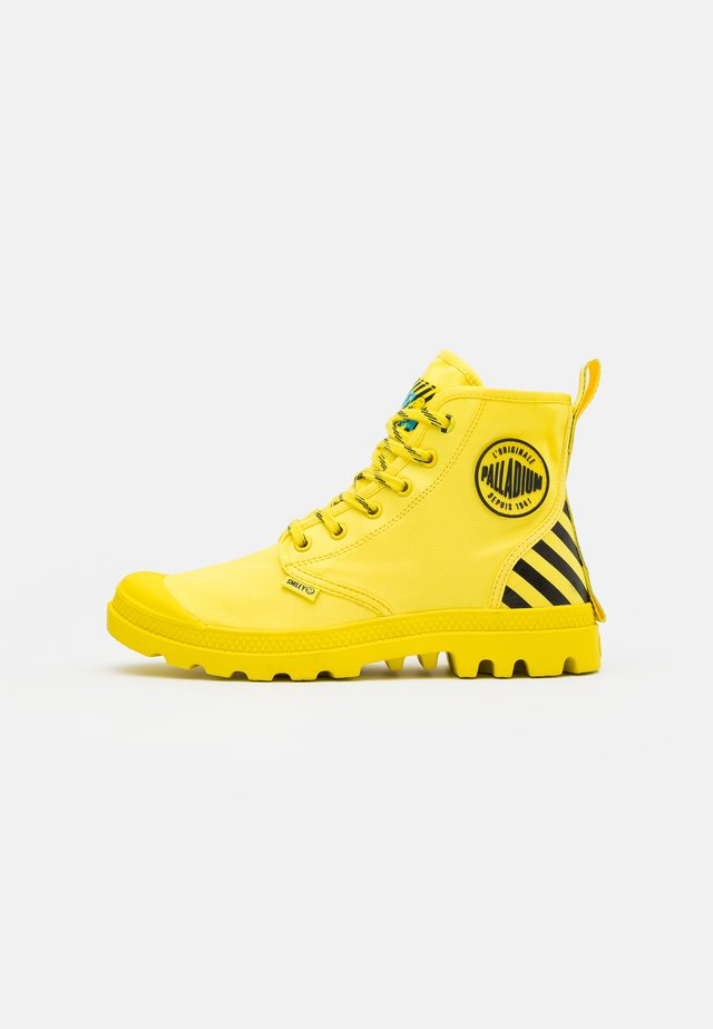PAMPA X SMILEY - Botines con cordones - yellow/black
