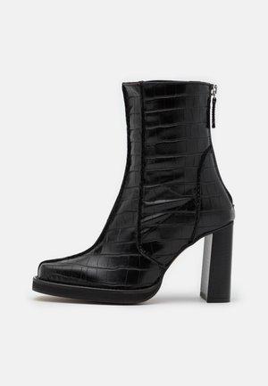 VEGAN VIVIENNE - Kotníková obuv na vysokém podpatku - black