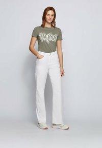 BOSS - C_ELOGO - Print T-shirt - dark green - 1