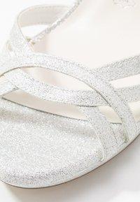 Menbur - High heeled sandals - marfil - 2