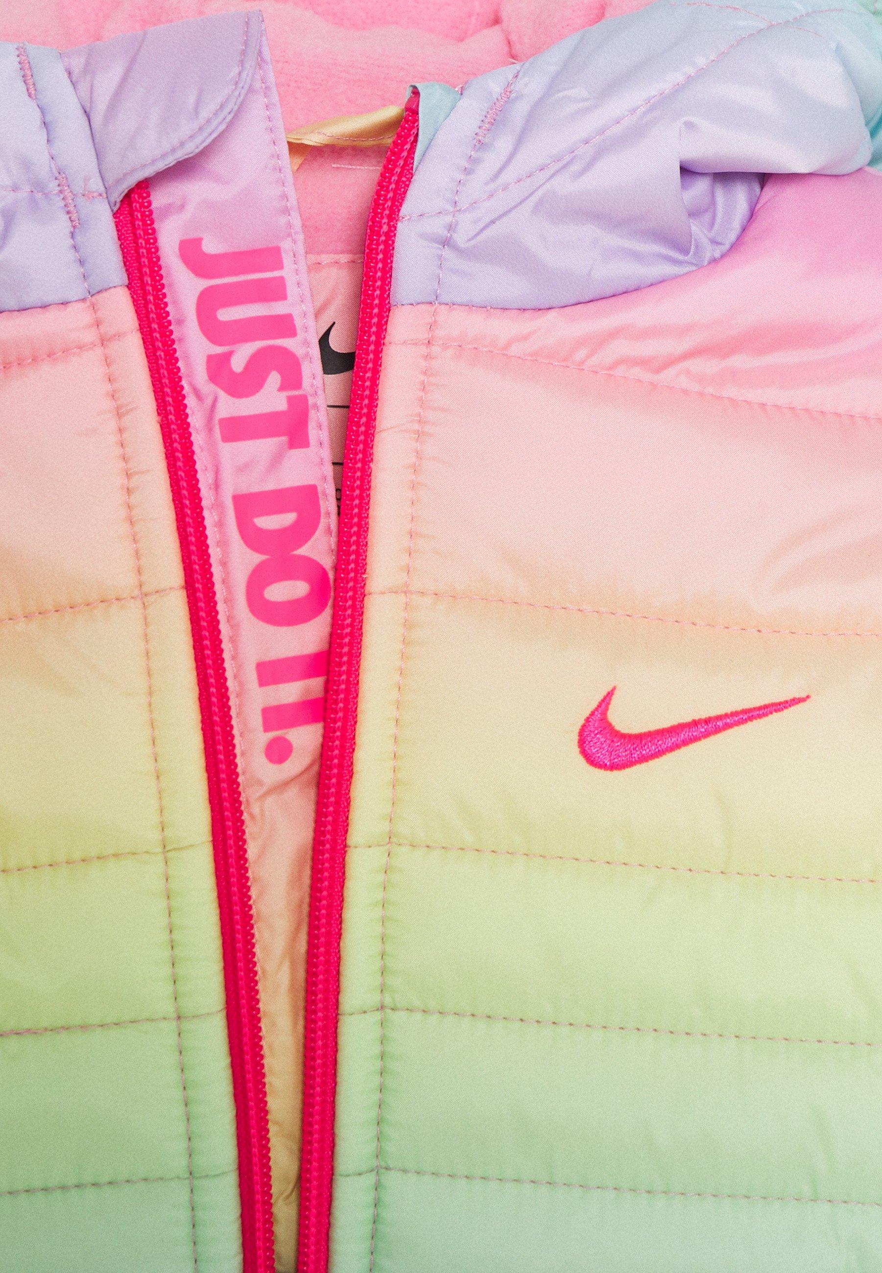 rabat Zakupy Nike Sportswear GIRL CORE PADDED - Kurtka zimowa - rainbow | Dzieci Odzież 2020 sLgtg