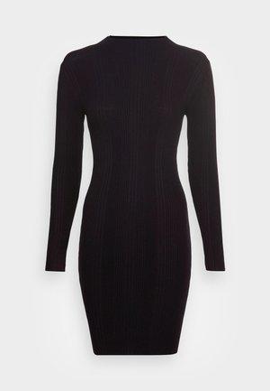 PCFINKA HIGH NECK DRESS - Jumper dress - black