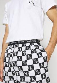 Calvin Klein Underwear - SHORT - Pyžamo - black - 4